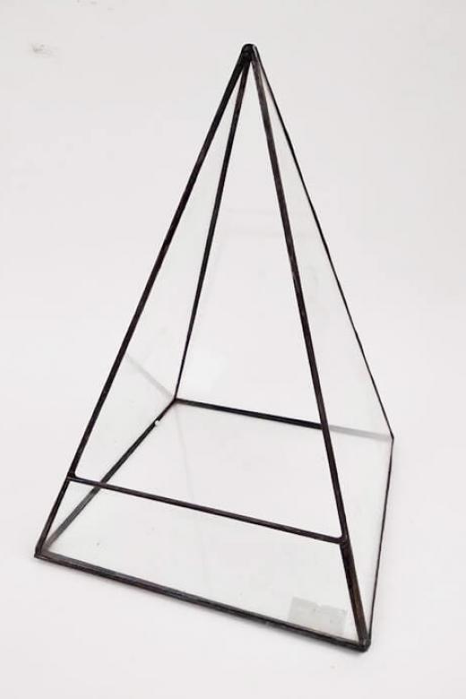 """Флорариум """"пирамида"""""""